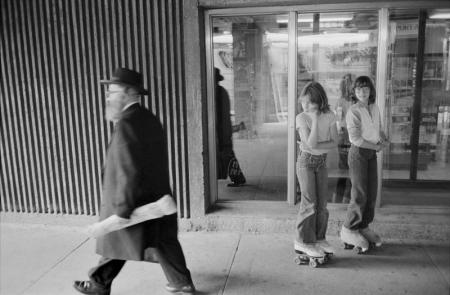 1979_Young Girls on rollerskates MontrealQue.jpg