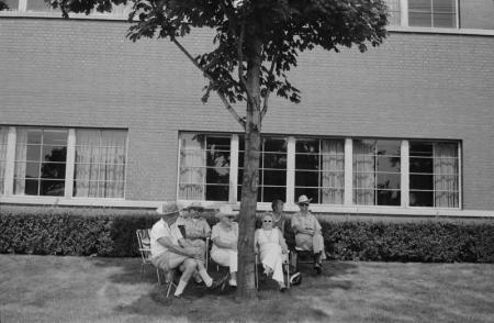 1980_TorontoCanada Group under tree.jpg