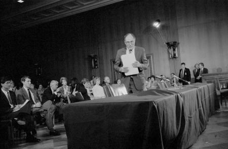 1986_028-30-Renquist at hearing.jpg